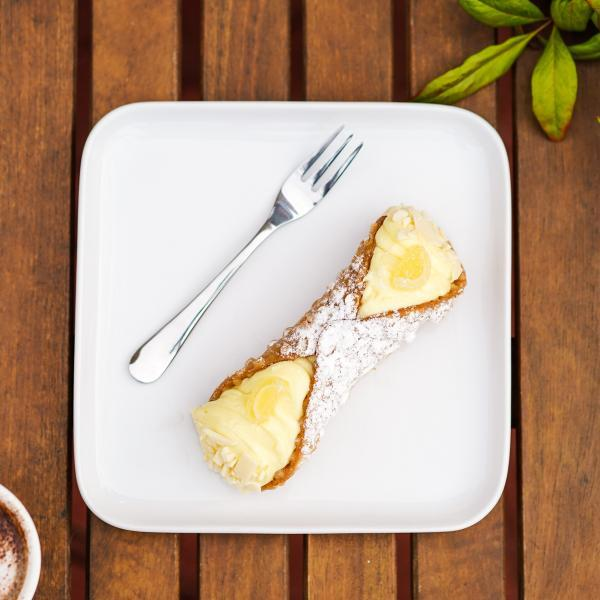 Large Limoncello Cannoli