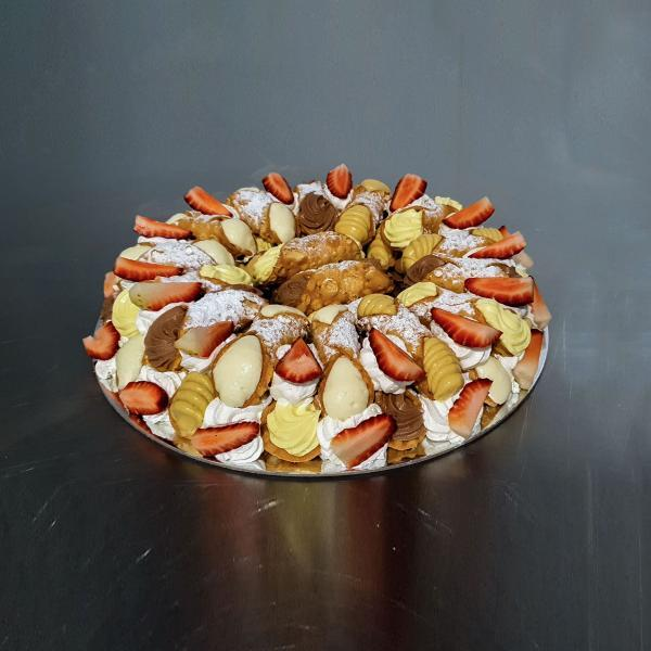 Cannoli Wreath Cake